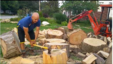 how-to-split-wood-with-an-axe